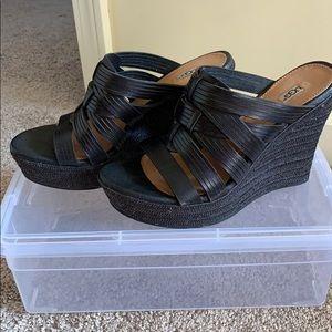 Ugg Gently Worn Wedge Sandals 6 1/2  Black